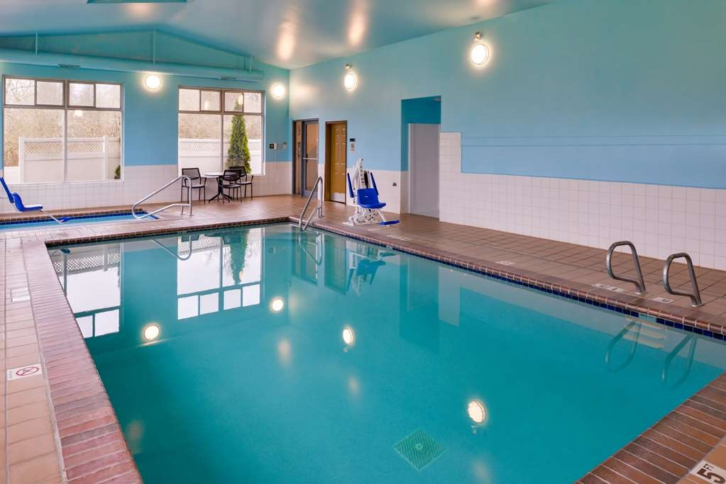 Best Western Cottage Grove Inn - Our pool and hot tub is open from 6:00 a.m. - 10:00 a.m. and 3:00 p.m. - 11:00 p.m.