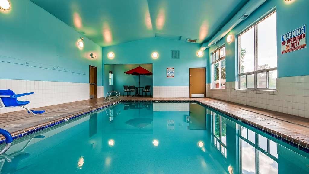 Best Western Cottage Grove Inn - Poolansicht