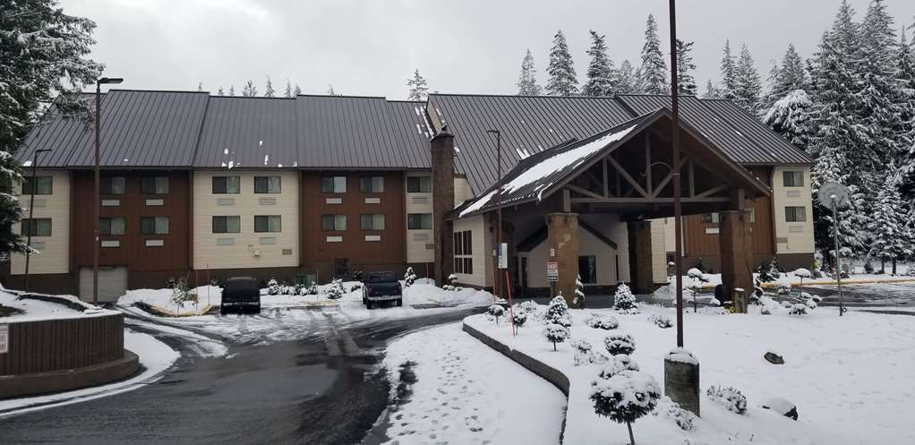 Best Western Mt. Hood Inn - Mt Hood Inn Outside Day