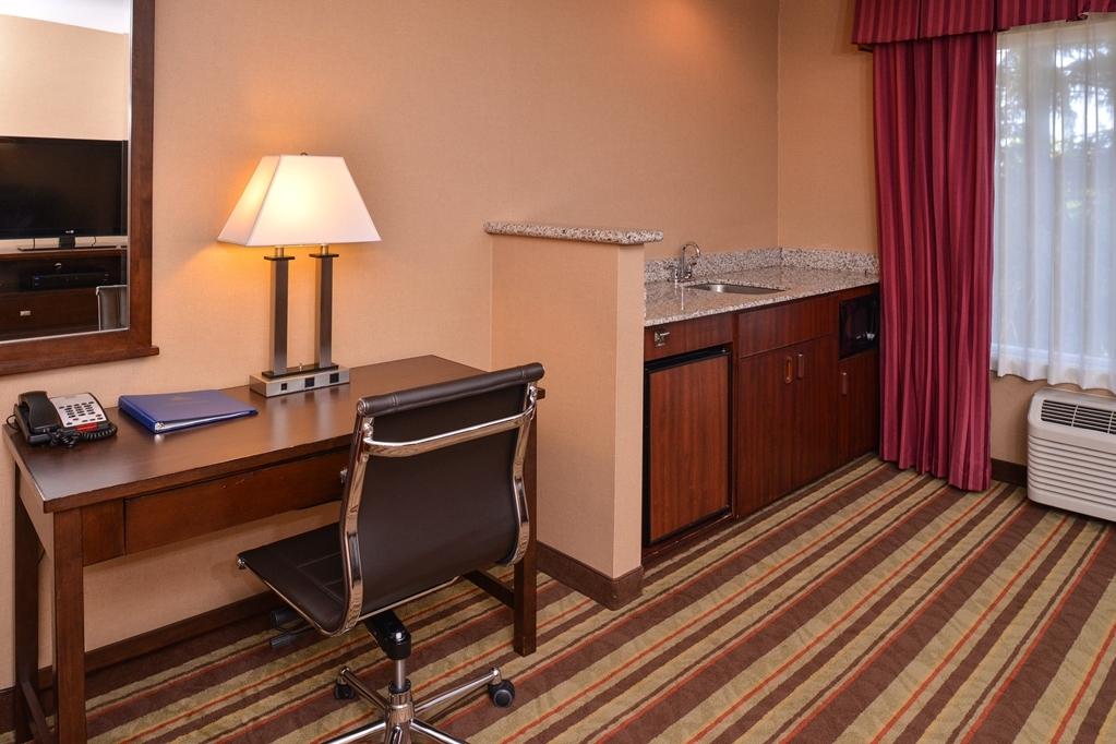 Best Western Wilsonville Inn & Suites - Whirlpool Suite