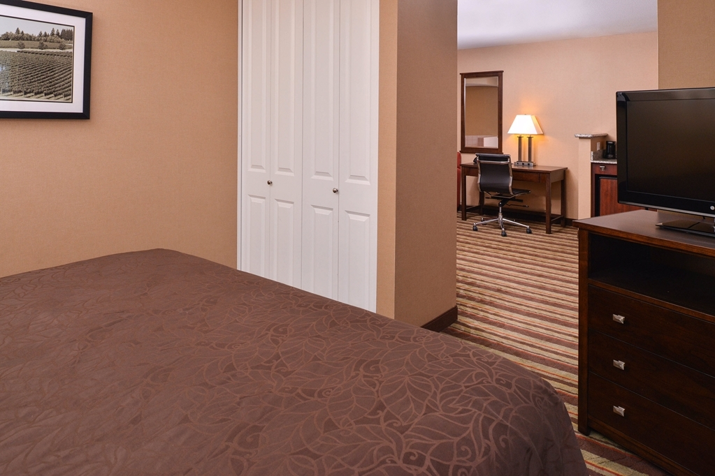 Best Western Wilsonville Inn & Suites - Guest Room