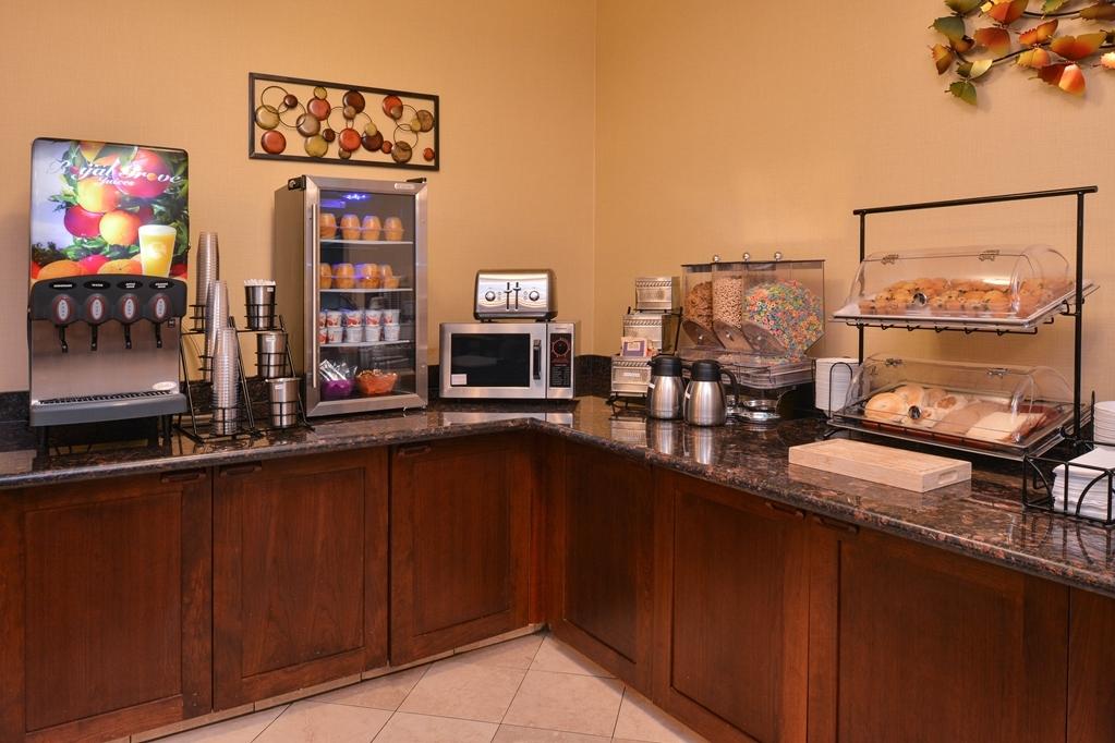 Best Western Wilsonville Inn & Suites - Le petit déjeuner buffet