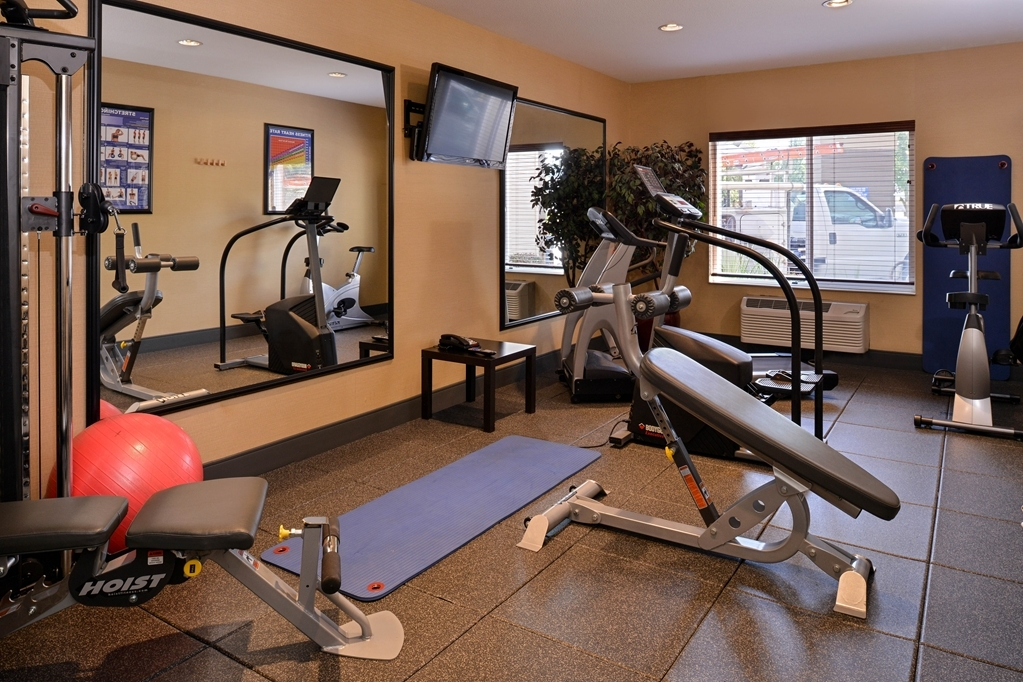 Best Western Wilsonville Inn & Suites - Our fitness center will help you keep up with your workout routine while you're on the road.