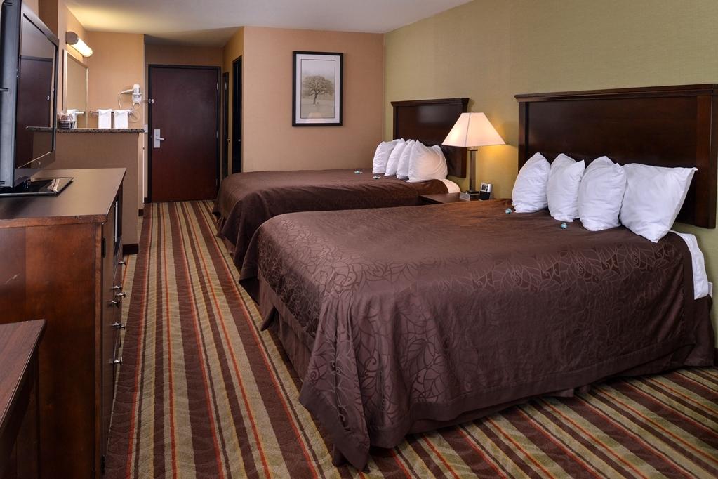 Best Western Wilsonville Inn & Suites - Double Queen Beds Guest Room