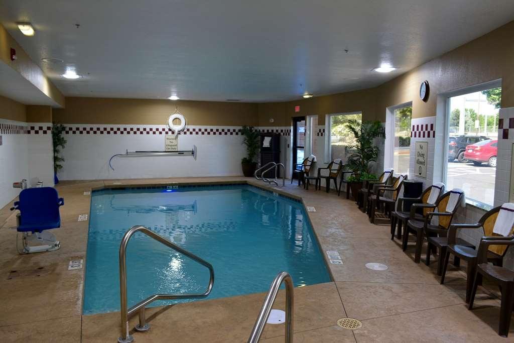 Best Western Wilsonville Inn & Suites - Piscina