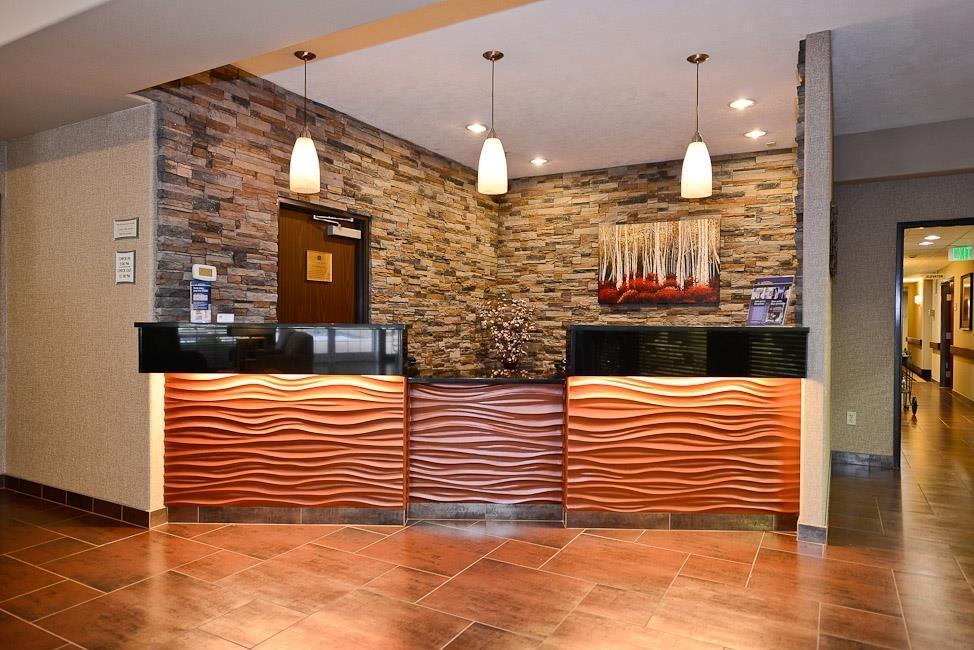 Best Western Plus Prairie Inn - Hotelhalle