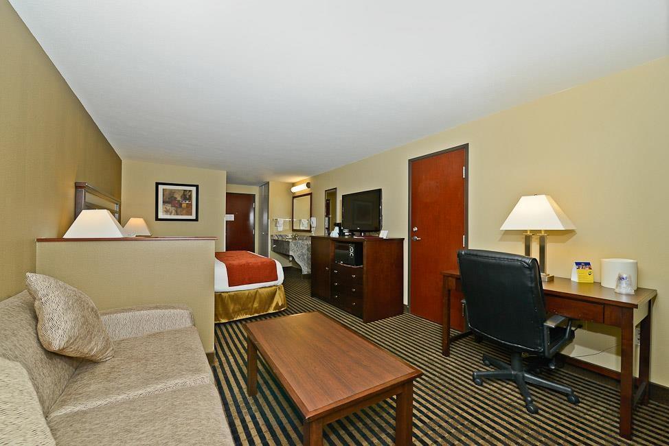 Best Western Plus Prairie Inn - Chambre de type suite avec lit king size