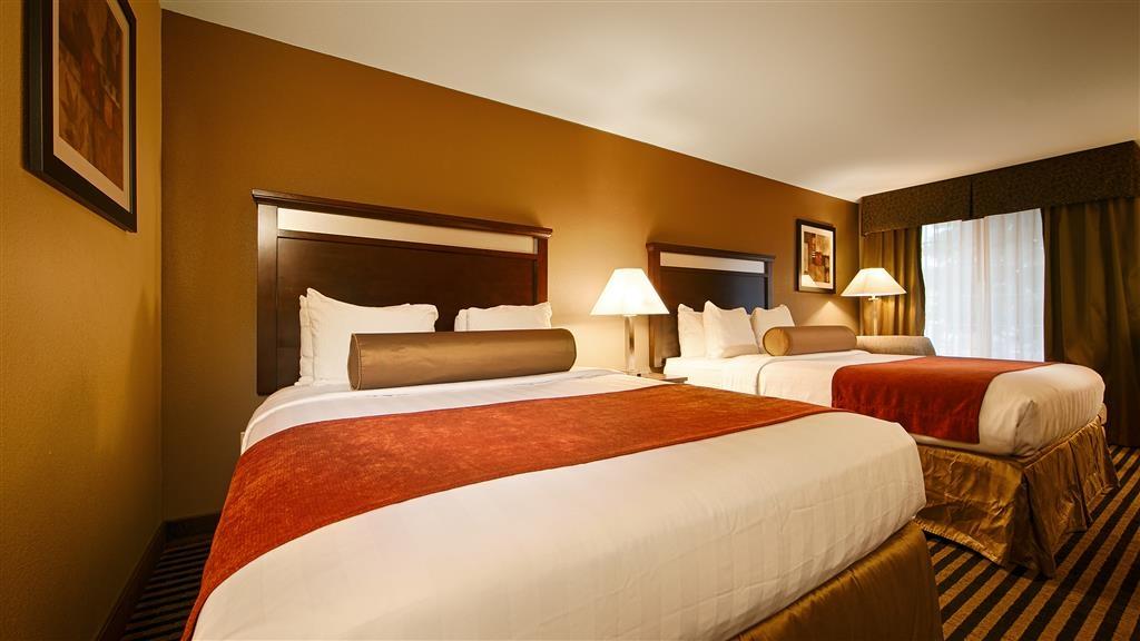 Best Western Plus Prairie Inn - Guest Room 2 queen beds