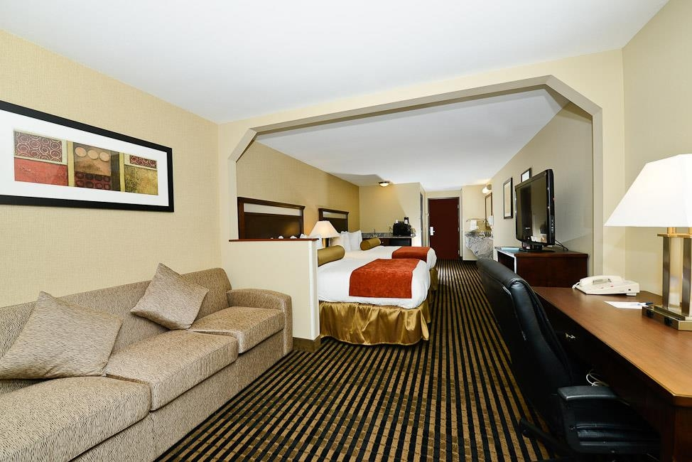 Best Western Plus Prairie Inn - Mini bars are available in many of our suites.