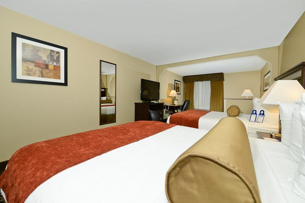 Best Western Plus Prairie Inn - Wake-up calls and alarm clocks are available, in case you need a little help getting going in the morning.