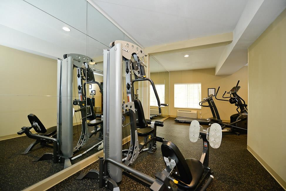Best Western Plus Prairie Inn - Our exercise facility is open from 7 a.m. to 11 p.m.