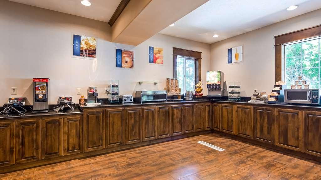Best Western Plus Prairie Inn - Restaurant / Gastronomie