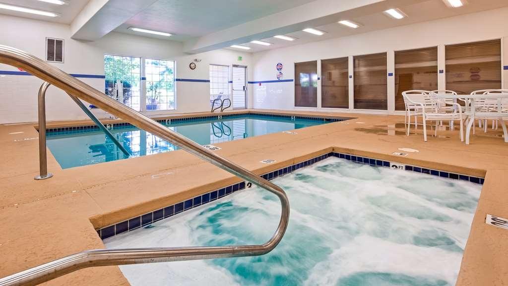 Best Western Plus Prairie Inn - Vue de la piscine