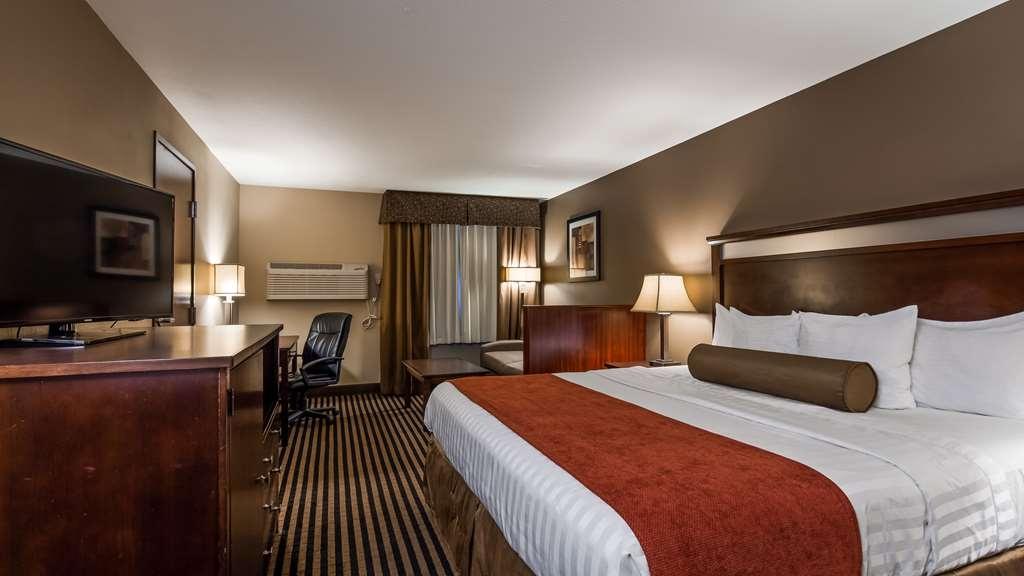 Best Western Plus Prairie Inn - King Room with Sofabed