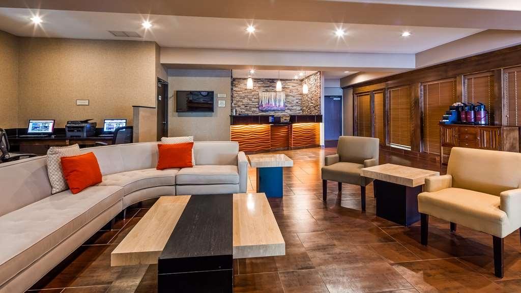 Best Western Plus Prairie Inn - Hall