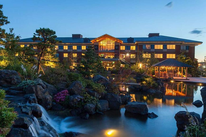 Best Western Premier Boulder Falls Inn - Aussenansicht