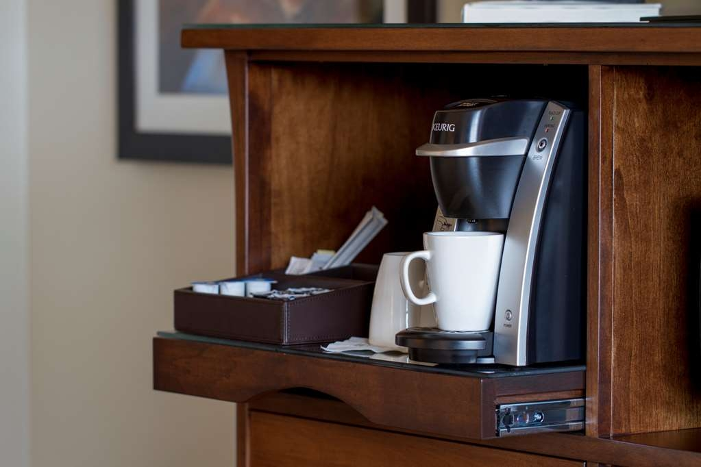 Best Western Premier Boulder Falls Inn - Enjoy our custom Boulder Falls coffee at your convenience. Do you prefer French Vanilla creamer or tea? We have those too. Enjoy!