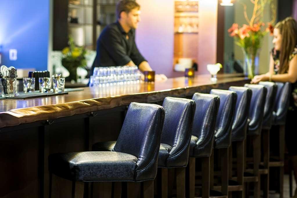 Best Western Premier Boulder Falls Inn - Restaurant / Gastronomie
