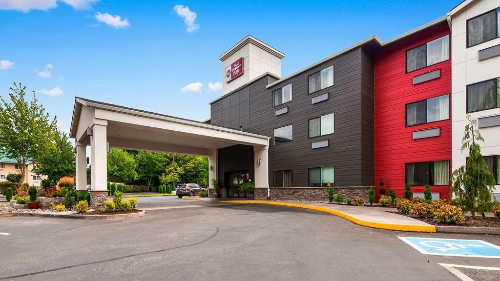 Best Western Plus Portland Airport Hotel & Suites - Außenansicht