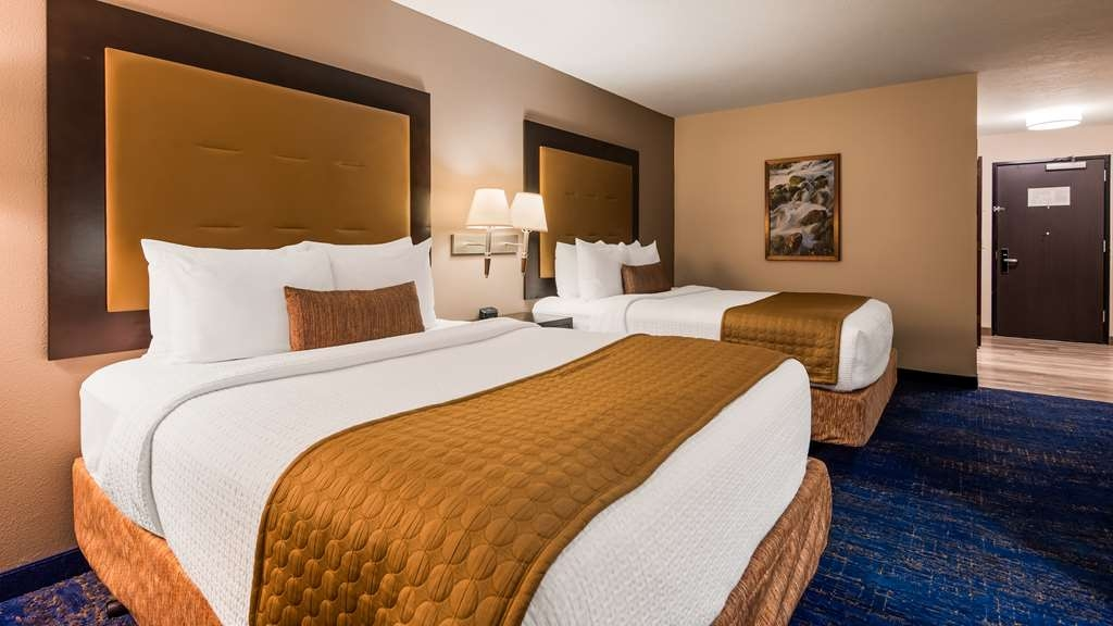 Best Western Plus Portland Airport Hotel & Suites - Two Queens Guest Room