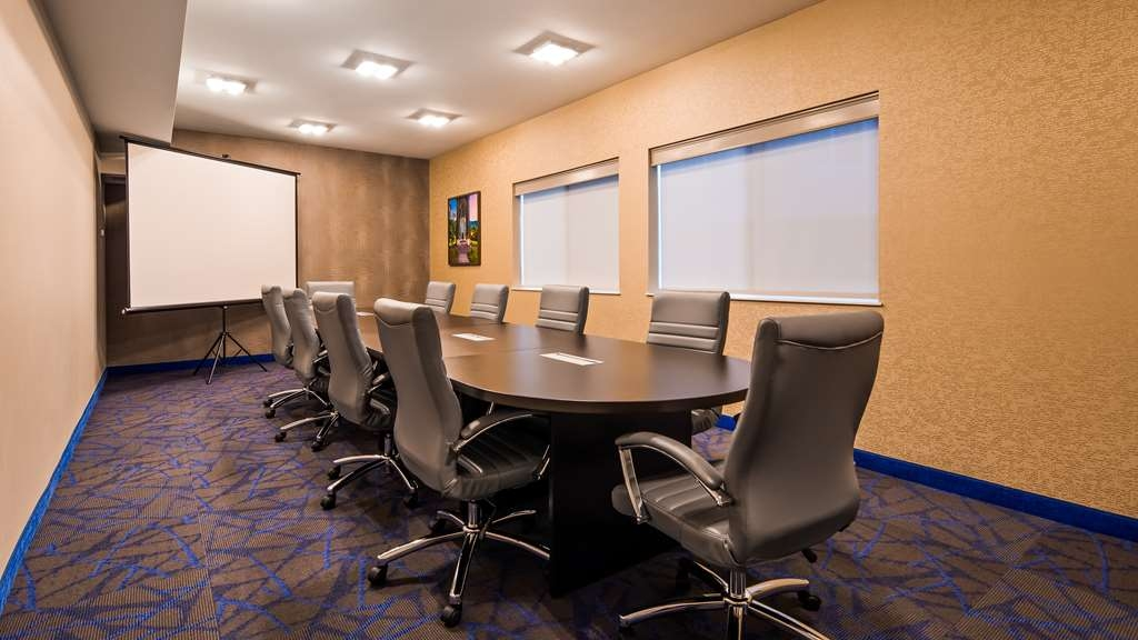 Best Western Plus Portland Airport Hotel & Suites - Meeting Room