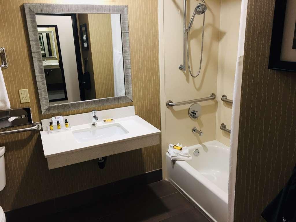 Best Western Plus Portland Airport Hotel & Suites - Gästezimmer/ Unterkünfte