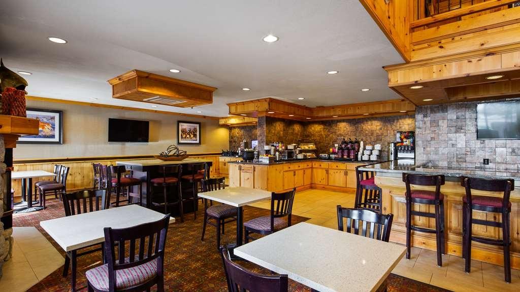 Best Western Plus Olympic Inn - Breakfast Area