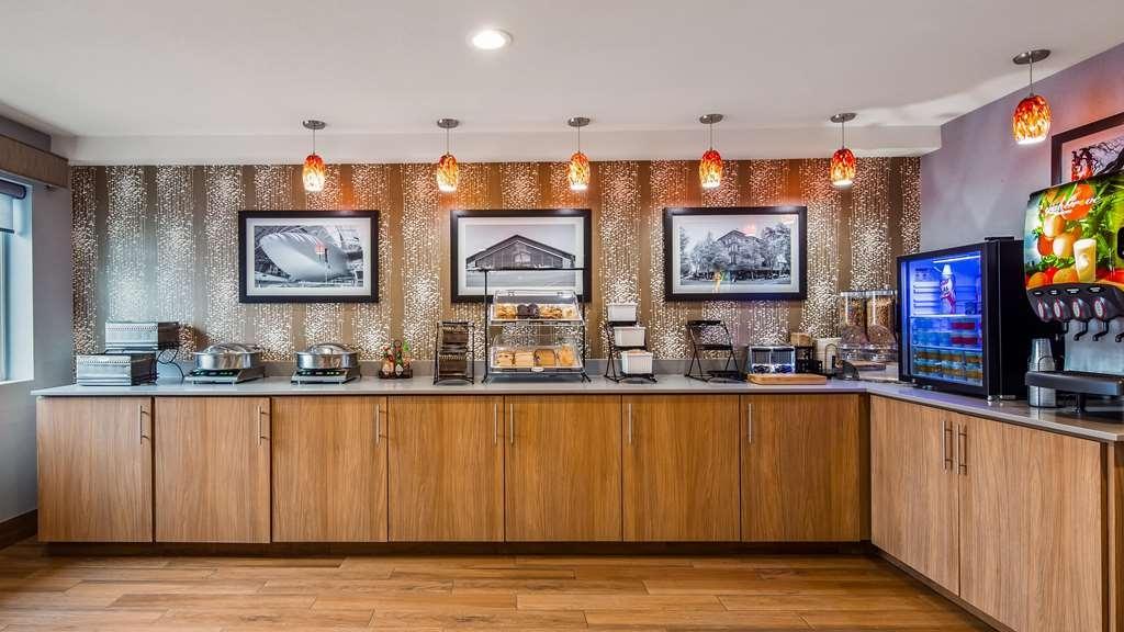 Best Western McMinnville Inn - Breakfast Area