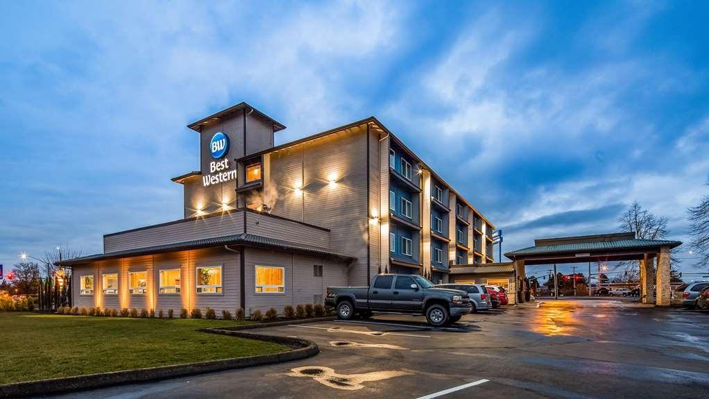 Best Western McMinnville Inn - Exterior