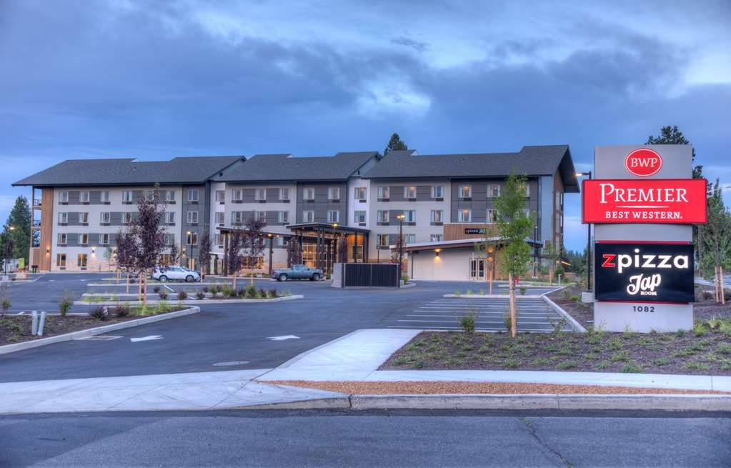 Best Western Premier Peppertree Inn at Bend - Vista Exterior