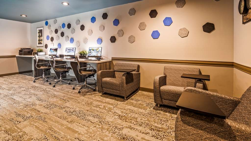 Best Western Premier Peppertree Inn at Bend - centro de negocios-característica