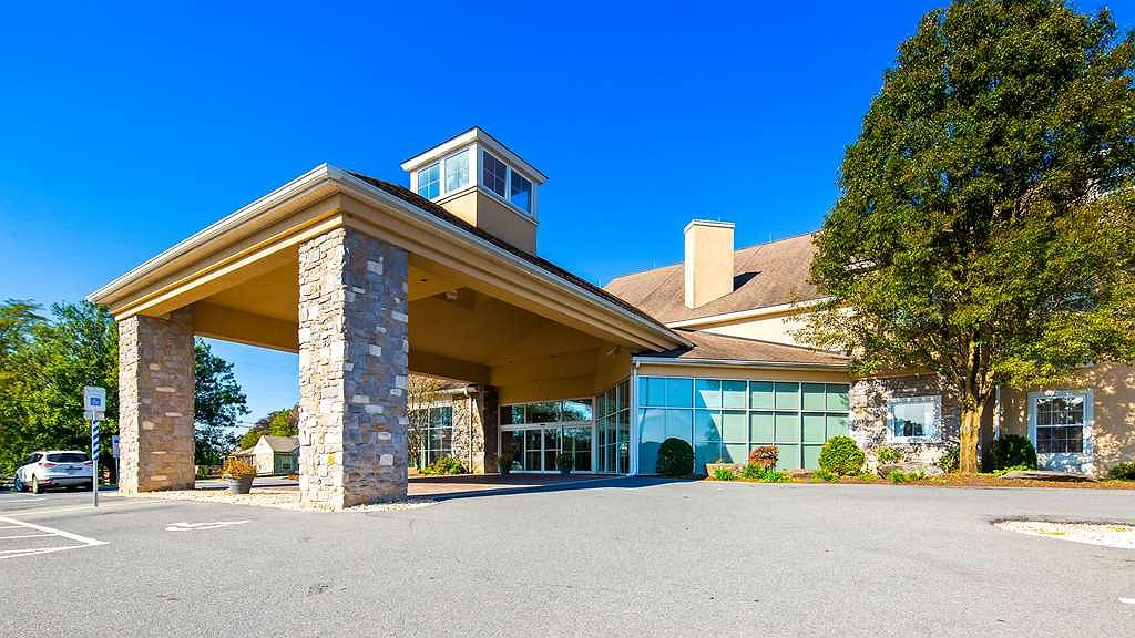 Best Western Plus Revere Inn & Suites - Vista exterior