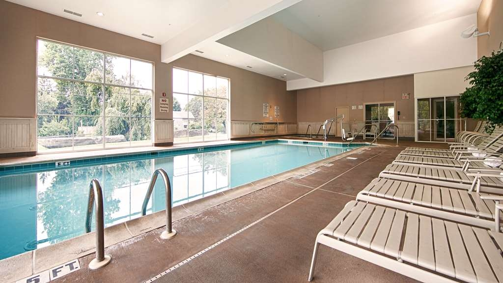 Best Western Plus Revere Inn & Suites - Don't let the weather stop you from jumping in, our indoor pool is heated year-round for you and your friends and family.