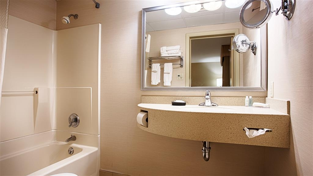 Best Western Inn & Conference Center - Pamper yourself in our guest bathrooms.