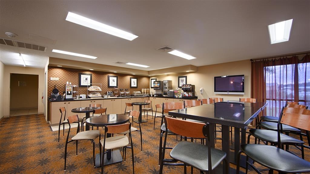 Best Western Inn & Conference Center - We offer gluten free items and our coffee, tea, and juice is available all day for your convenience.
