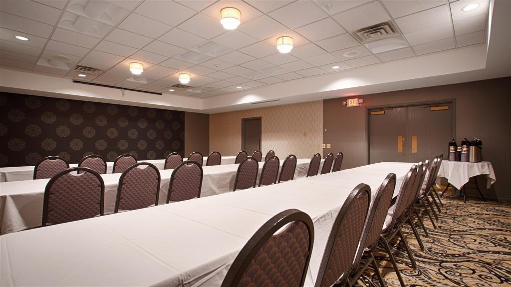Best Western Inn & Conference Center - Nuestras salas de reuniones le ofrecen el entorno idóneo para celebrar eventos corporativos. Póngase en contacto con nuestro personal para realizar su reserva hoy mismo.