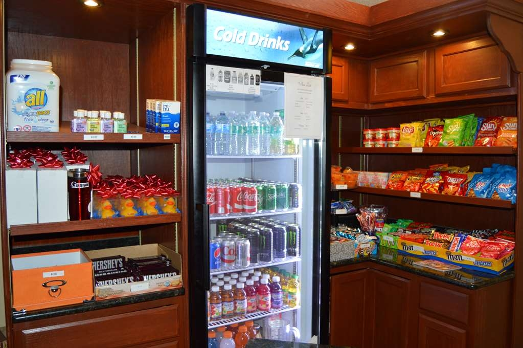 Best Western Plus Genetti Hotel & Conference Center - Craving a snack or something to drink? Stop by our snack shop located next to the front desk.