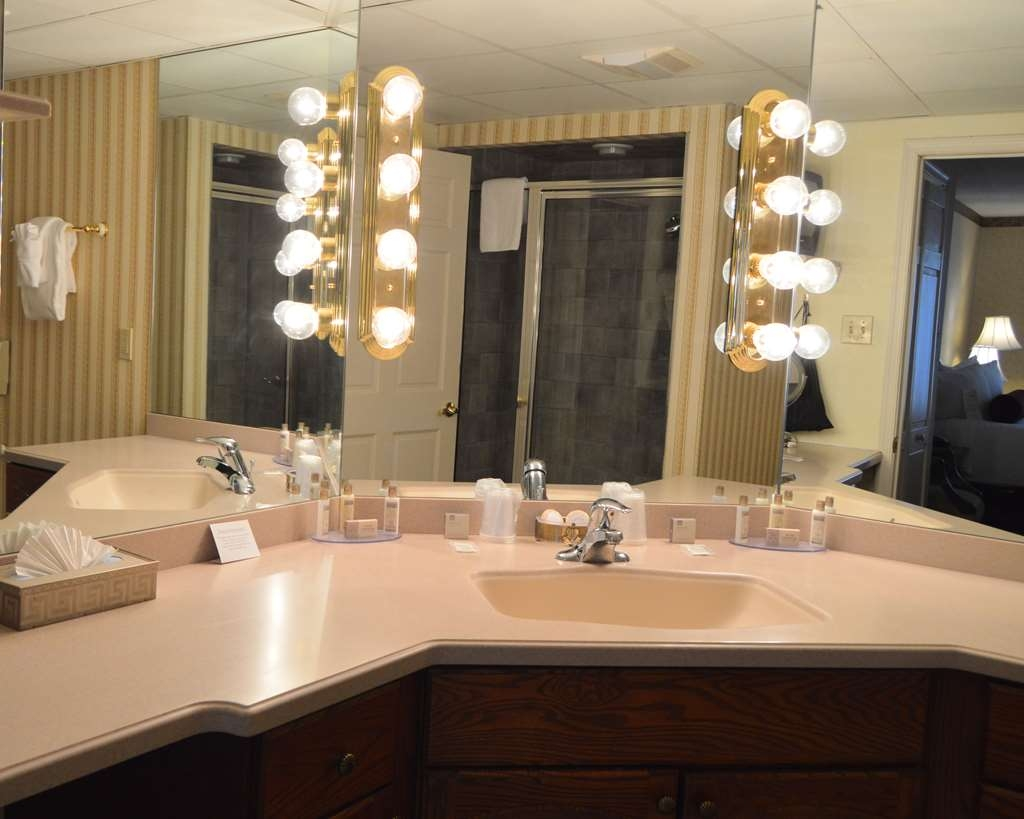 Best Western Plus Genetti Hotel & Conference Center - Get ready like a Star!
