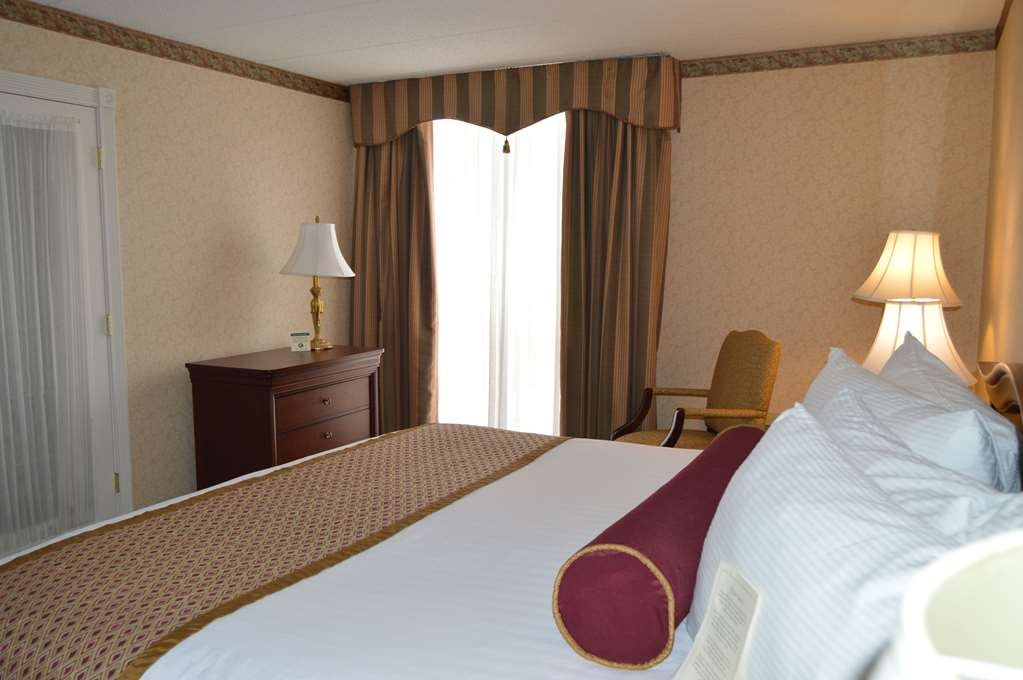 Best Western Plus Genetti Hotel & Conference Center - Stay where Stars have stayed!