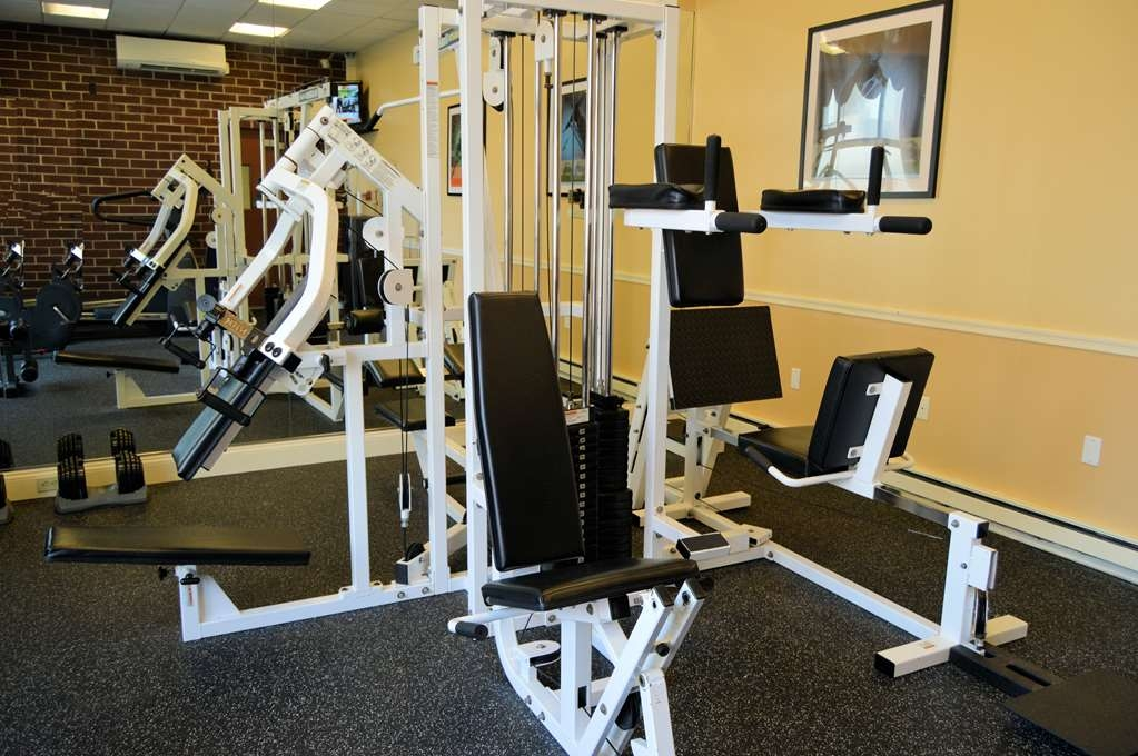 Best Western Plus Genetti Hotel & Conference Center - Our gym boast state-of-the art exercise equipment and weight lifting sets.