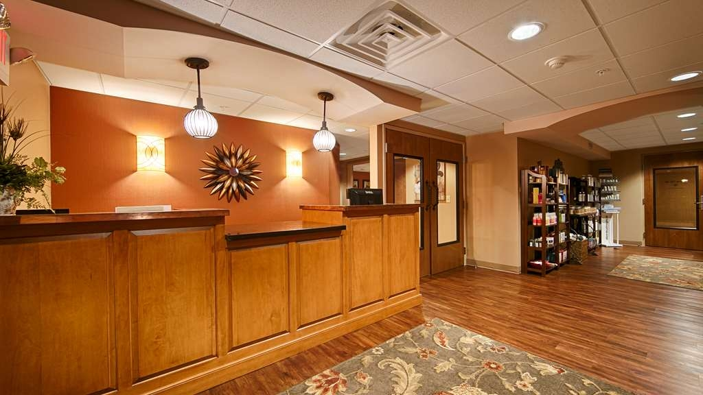 Best Western Plus Intercourse Village Inn & Suites - Visit the Lancaster County Winery and Mount Hope Estate & Winery. Stay close to local attractions including Hershey's Chocolate World.