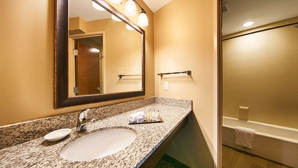 Best Western Plus Intercourse Village Inn & Suites - Relax in the comfort of our guest rooms at the Best Western Plus Intercourse Village Inn & Suites.