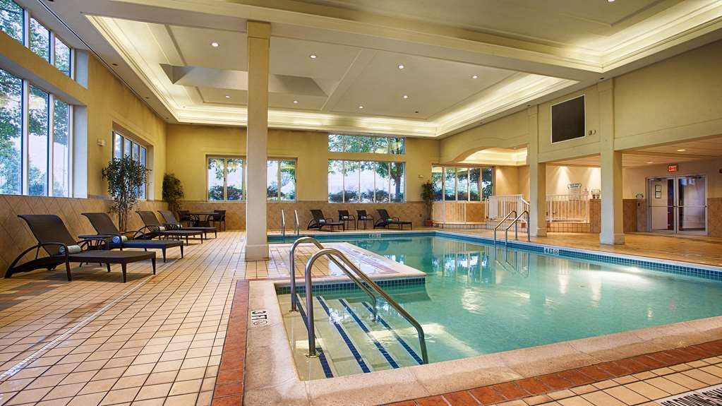 Best Western Plus Country Cupboard Inn - piscina coperta