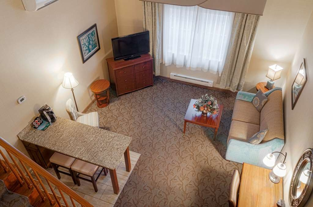 Best Western Plus Country Cupboard Inn - Suite