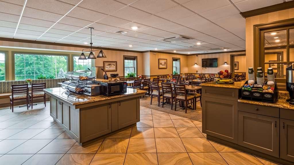 Best Western Plus Country Cupboard Inn - Breakfast Area