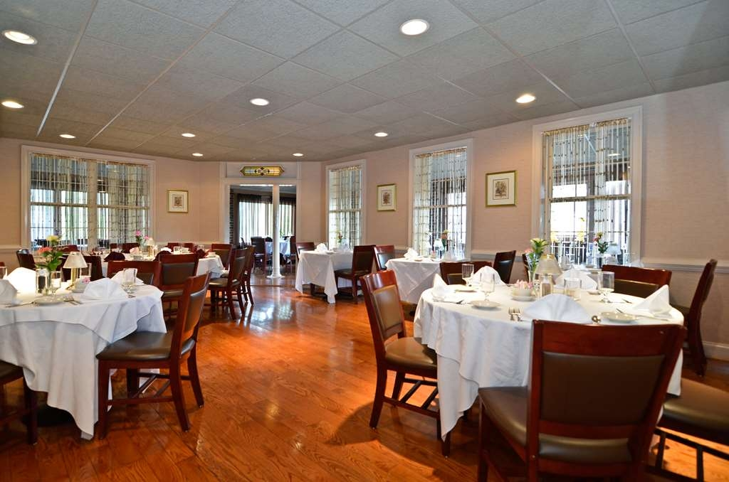 Best Western Plus Concordville Hotel - Concordville Inn Restaurant is perfect gathering for all your special occasions.