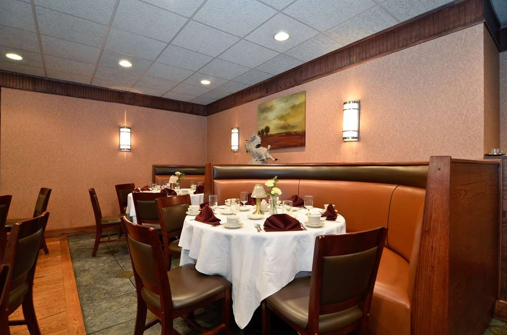 Best Western Plus Concordville Hotel - Join us Sunday Brunch.