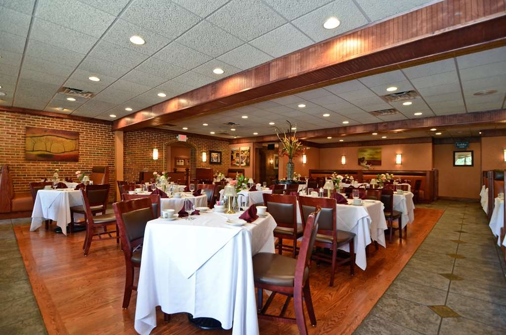 Best Western Plus Concordville Hotel - Adjacent to the hotel is the award winning Concordville Inn featuring crab cakes, prime rib, filet mignon and fresh fish.