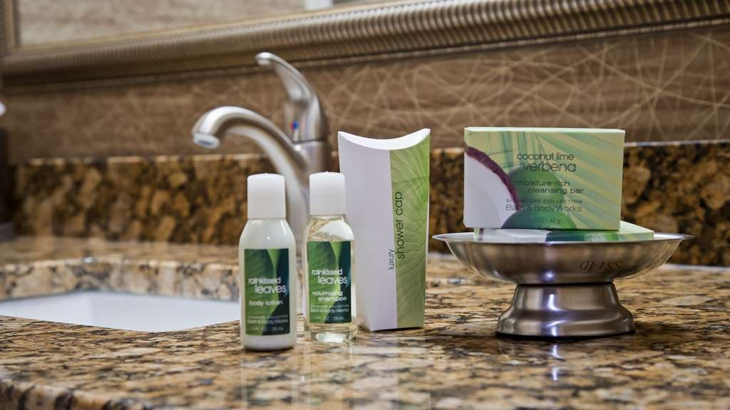 Best Western Plus Concordville Hotel - Bathroom amenities.