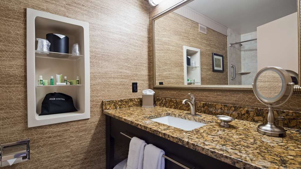 Best Western Plus Concordville Hotel - Deluxe guest room bathroom.